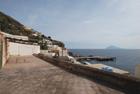 Casa eoliana sul mare ad Alicudi350000 euro