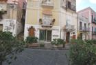 Vendesi negozietto in via Garibaldi Lipari