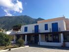 Vendesi 3 appartamenti in villa a  Malfa Salina850000 euro