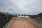 Vendesi casa su due livelli con terreno e terrazze vista mare