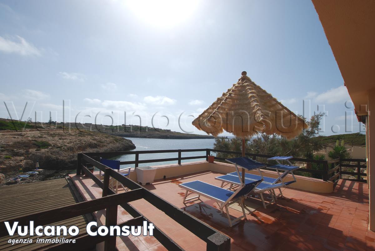 Vendesi villa sul mare a Lampedusa