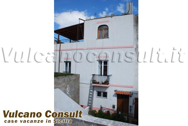 Casa su 3 livelli Lipari