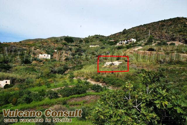 vendesi rudere panoramico con terreno località Pirrera Lipari
