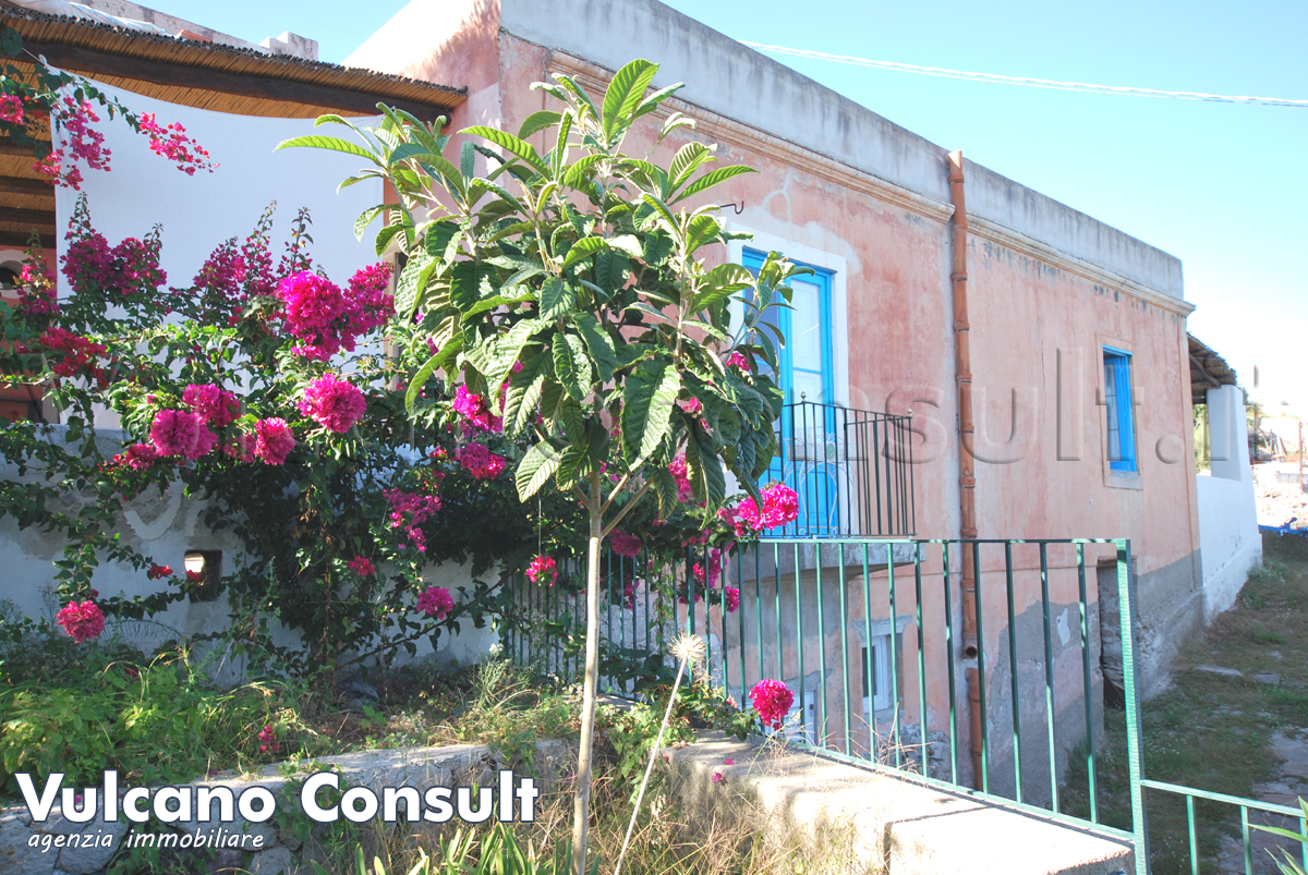 for sale  casa Pomiciazzo Canneto Lipari