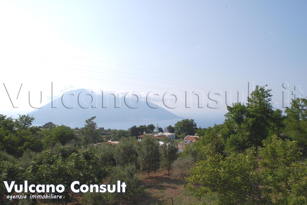 Vendesi terreno con progetto Quattropani Lipari