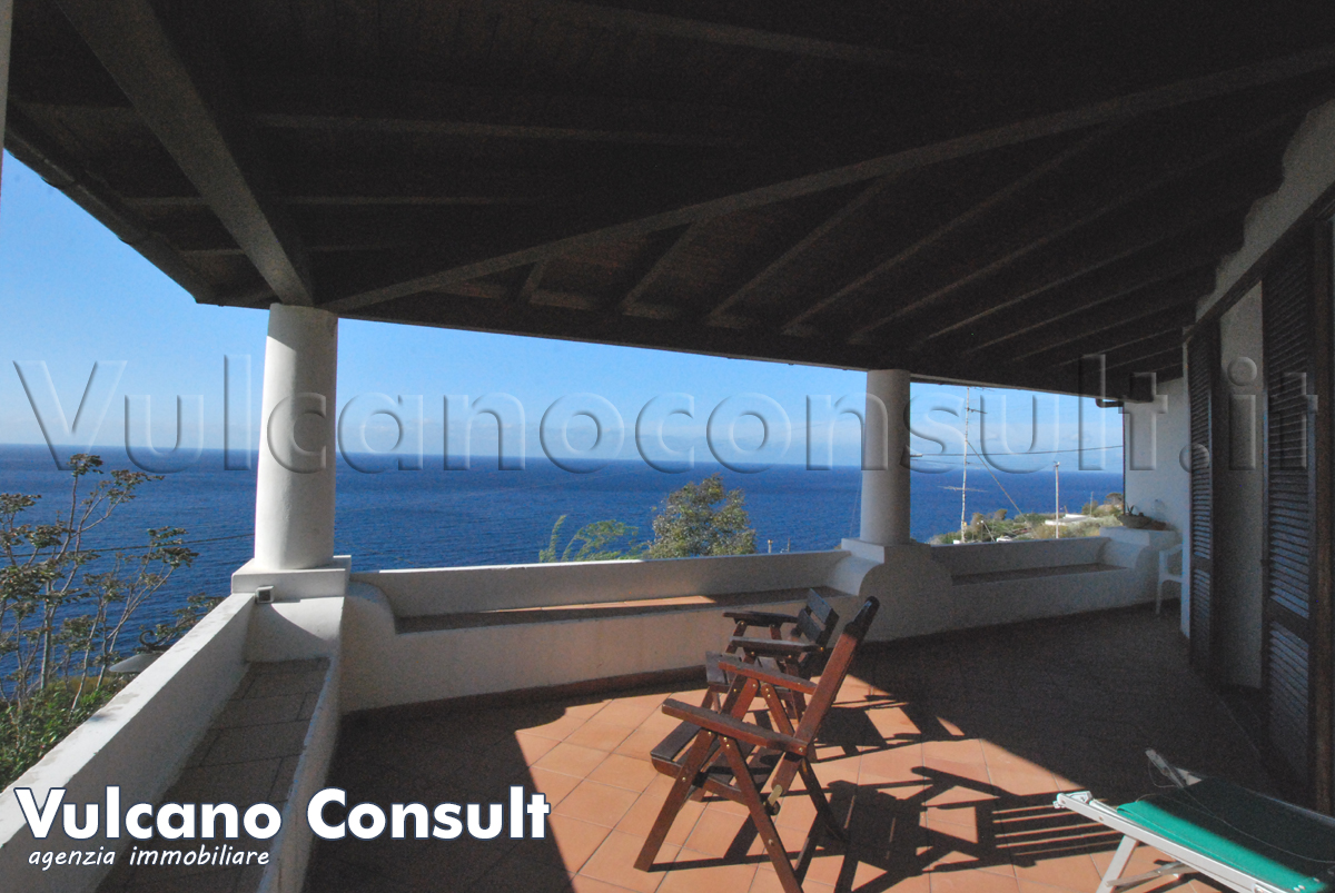Indipendent Villa on sale in Acquacalda, Lipari.