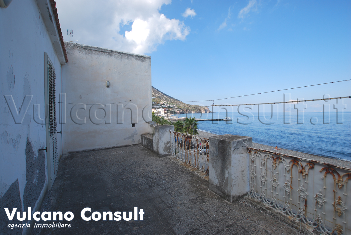 House to sell in via Garibaldi, Canneto, Lipari