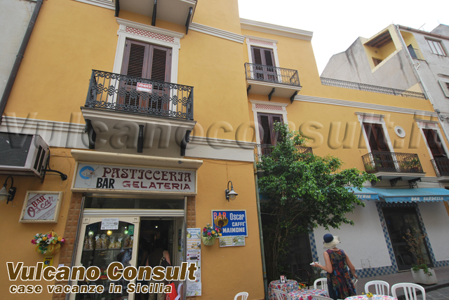 Apartment to sell in the main street of Lipari