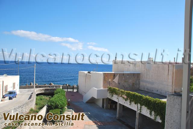 Appartamento sul mare con giardino Acquacalda