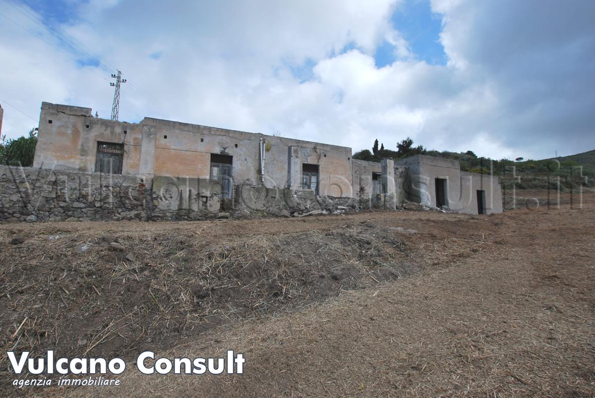 vendesi casa Pianoconte Lipari