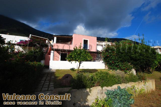 Vendesi casa indipendente Santa Marina Salina