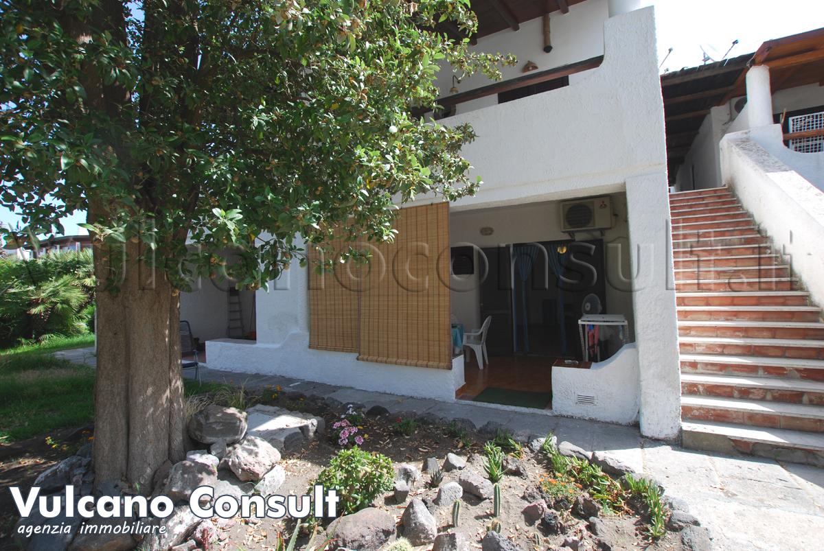 Vendesi appartamento piano terra Residence al porto Vulcano