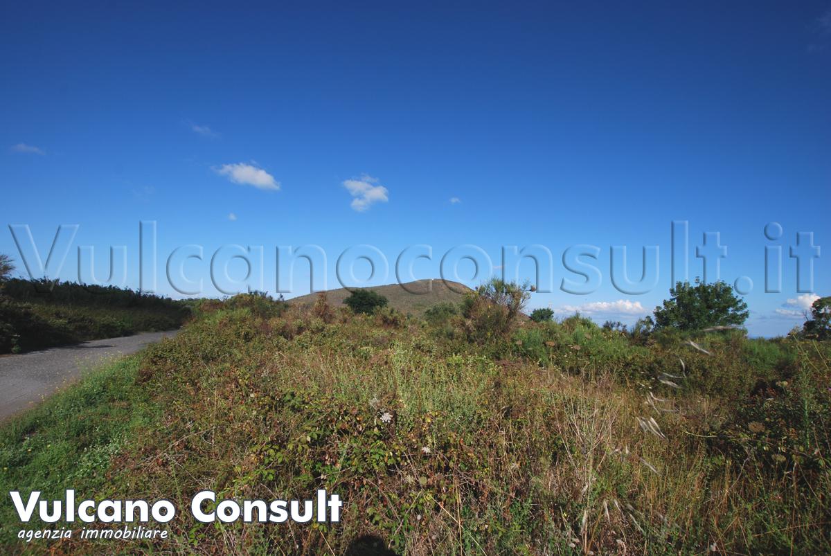 Terreno Vulcano Piano